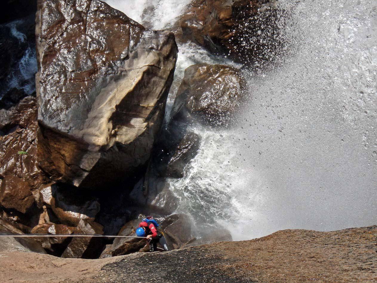 Randonnée et canyoning avec xtremsudcanyon dans les canyons en Corse