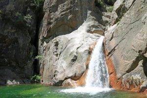 eaux cristallines à la Vacca en Corse